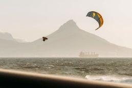 Der Big Air Kite BULLIT von F-One in Action