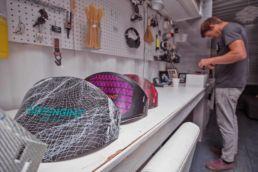 Herstellung von Hardshell-Trapezen bei Ride Engine