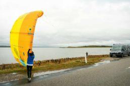 Start und Landen von Kites am Spot X auf der dänischen Insel Fyn