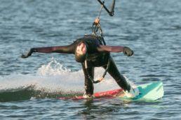 Jocy von Josea Surfwear beim Kiten