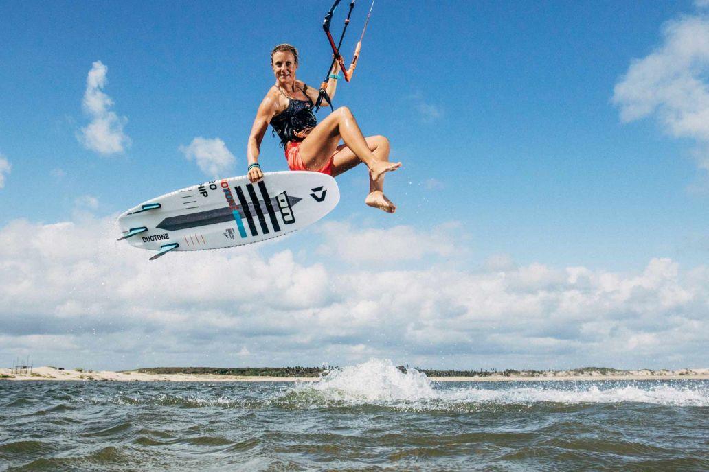 Die deutsche Kiterin Sonja Bunte beim Kiten