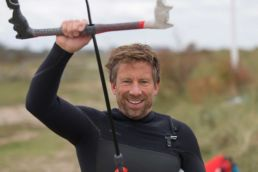 Jörgen Vogt, Geschäftsführer der GKA, beim Kiten